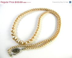 50 off Vintage  pearl necklace graduated sizes 18 by FeliceSereno, $6.00