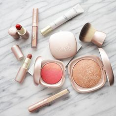 Earth and fire. A romantic, passionate style. The allure of a radiant, beguiling beauty. KIKO MILANO is proud to present Summer2.0, the limited-edition collection inspired by summer's colours and warmth.