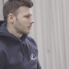 New In! Just dropped a lightweight hoodie perfect for the summer season! Get involved!   Shop Here: https://www.lombordy.com/collections/hoodies-sweatshirts/products/men-s-pullover-hoody-with-side-pockets-navy