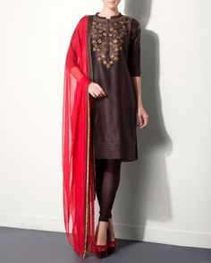 Brown Kurta Set with Floral Embroidered Yoke by AM:PM