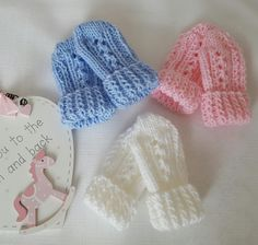 Baby Knitting Pattern Thumbless Mittens Baby Mitten by colette o'grady Baby Mittens Knitting Pattern, Crochet Baby Mittens, Crochet Bebe, Knitting Patterns Free, Knitting Yarn, Hand Knitting, Toddler Mittens, Double Knitting, Knitting Projects