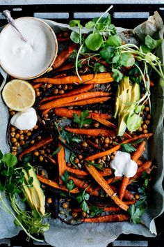 Roast Carrot, Chickpea & Avocado Salad with Cumin Honey Yogurt - vegetarian dinner Healthy Salads, Healthy Eating, Healthy Lunches, Whole Food Recipes, Cooking Recipes, Dinner Recipes, Vegetarian Recipes, Healthy Recipes, Gastronomia