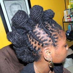 curlynugrowth:Mohawk Knots on Locs