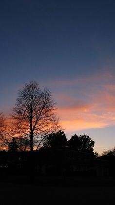 Precious Tips for Outdoor Gardens - Modern Pretty Sky, Beautiful Sky, Aesthetic Pastel Wallpaper, Aesthetic Wallpapers, Nature Aesthetic, Night Aesthetic, Sunset Wallpaper, Iphone Wallpaper, Sunset Photography