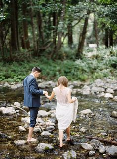 Couple wedding photos in the river at Big Sur River Inn by top seattle film wedding photographer ©RyanFlynnPhotography ryan-flynn-photography-big-sur-bakery-wedding032.JPG
