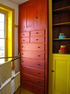 I'll end my Shaker festival with a group of photographs of what I think of as the living details of architecture--something not enough desi. Shaker Furniture, Built In Furniture, Furniture Design, Bedroom Cupboard Designs, Bedroom Cupboards, Shaker Style, Kirchen, Minimalist Design, Decoration