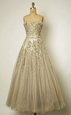Trendy Wedding Dresses  :    Dior