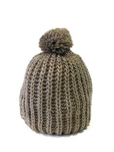 Gorro lana clásico con pompom cc77fe5d7bf
