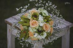 Menyasszonyi csokor 3 tipp a kiválasztáshoz - csodaszép esküvő Floral Wreath, Wreaths, Home Decor, Decoration Home, Room Decor, Bouquet, Flower Band, Interior Decorating, Floral Arrangements