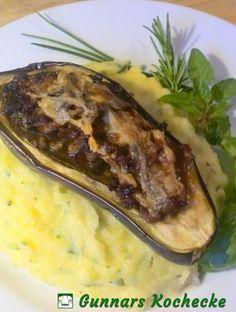 Gefüllte Auberginen mit Hack und Blauschimmelkäse auf Kräuter-Kartoffelpüree