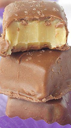 Learn how to make Chocolate Caramel Fudge Bites. Creamy and soft homemade caramel fudge coated in milk chocolate with a dashing of salt. Fudge Recipes, Candy Recipes, Chocolate Recipes, Sweet Recipes, Baking Recipes, Cookie Recipes, Cooking Chocolate, Dessert Chocolate, Chocolate Tarts