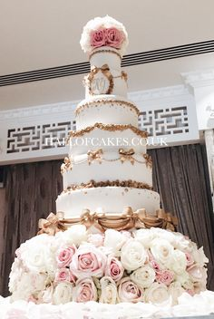Amazing White & Silver 8 Tier Nigerian Wedding Cake | weddin colora ...