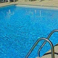 Clear up a Cloudy Pool - Quick and Easy Swimming Pool House, Above Ground Swimming Pools, My Pool, In Ground Pools, Pool Fun, Summer Pool, Green Pool Water, Cloudy Pool Water, Pool Cleaning Tips