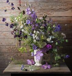 gorgeous for a more wild option Summer Gallery @ Floret Flower Farm Summer Flowers, Love Flowers, Beautiful Flowers, Wedding Flowers, Flowers Vase, Vase Arrangements, Arte Floral, Flower Farm, Ikebana
