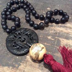 Collar Semillas, Jade negro y Madera tallada