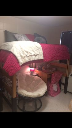 University of Alabama dorm room- Could be an idea for a small studio!