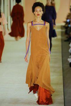 Roksanda Spring 2017 Ready-to-Wear Collection Photos - Vogue