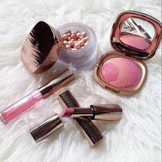 Are you ready to go anywhere gold, #Kikotrendsetters? @steffyge is  Share your #look with us with #KIKOxLOVEGROVE  #KikoMilano #beautylook #instabeauty #makeup #beauty #rossetti #illuminante #fard #blush #lipstick #highlighter #lipoil