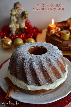 Karácsonyi mézes kuglóf mandulás mascarpone krémmel töltve Ring Cake, Savarin, Christmas Baking, Cake Cookies, Toffee, Bakery, Food And Drink, Tasty, Sweets