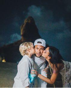 Neymar confirmed Bruna Marquezine as his girlfriend # Neymar - Flatpins. Football Neymar, Football Wags, Bruna Marquezine And Neymar, Neymar Girlfriend, Neymar Jr Wallpapers, Neymar Pic, Cristiano Ronaldo Lionel Messi, Soccer Girl Problems, Manchester United Soccer