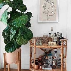 "Visit our internet site for even more details on ""bar cart decor inspiration"". It is actually an outstanding place to learn more. Bar Cart Styling, Bar Cart Decor, Diy Bar Cart, Boho Bar, Ideas Para Organizar, Bar Furniture, Furniture Design, Plywood Furniture, Chair Design"
