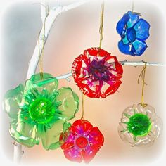 BluKatKraft: DIY Recycled Plastic Bottle Crafts, Kid's Crafts Great idea instead of bows! BluKatKraft: DIY Recycled Plastic Bottle Crafts, Kid's Crafts Great idea instead of bows! Plastic Bottle Flowers, Plastic Bottle Crafts, Recycle Plastic Bottles, Plastic Craft, Plastic Containers, Diy Christmas Ornaments, How To Make Ornaments, Christmas Decorations, Flower Ornaments