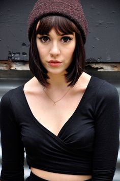 Hannah Snowdon is adorbs Hipster Bob, Hipster Hair, Bob Hairstyles, Wedding Hairstyles, Hannah Pixie Snowdon, Biotin Hair Growth, Great Hair, Cut And Color, Fringes