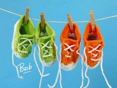 Crochet baby blanket 288934132342464478 - Petits Chaussons Baskets – Bab la bricoleuse Source by Baby Blanket Crochet, Crochet Baby, Knitted Baby, Hand Crochet, Crochet Hooks, Tricot Baby, Strawberry Art, Knit Baby Shoes, Knitted Booties