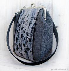 "Женские сумки ручной работы. Ярмарка Мастеров - ручная работа. Купить Сумка женская ""LONDON"". Handmade. Вышивка лентами Japanese Patchwork, London Bags, Frame Purse, Quilted Bag, Shades Of Black, Fashion Backpack, Bucket Bag, Coin Purse, Tote Bag"