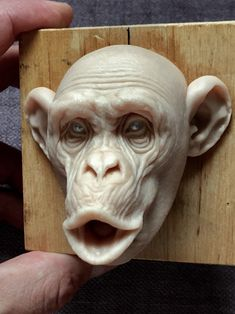 Monkey/super inches I have idea to make another monkey. Now I will make a mad monkey. Easy Pumpkin Carving, Carving Pumpkins, Clay Monsters, 3d Figures, Funny Caricatures, Wax Carving, Plastic Art, Carving Designs, Sculpture Clay