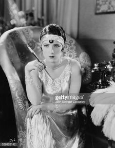 News Photo : Actress Evelyn Brent in Flapper Costume