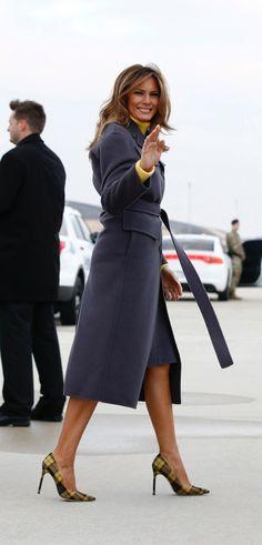 Fashion Notes: Melania Trump Jet Sets Across U. in Yellow Tartan Stilettos - Fashion Notes: Melania Trump Jet Sets Across U. in Yellow Tartan Stilettos - Moda Outfits, Outfits Otoño, Fashion Outfits, Fashion Trends, Fashion Clothes, Fashion Fashion, Donald And Melania Trump, First Lady Melania Trump, Donald Trump