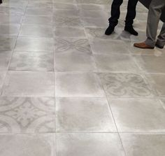 Did you like the #ConcreteTrend? Do you want it in your homes? The new Porto collection faithfully reproduces the style, the texture and finishes of this material, with the benefits of easy placement and maintenance of a #porcelain #tile. Isn't it great?