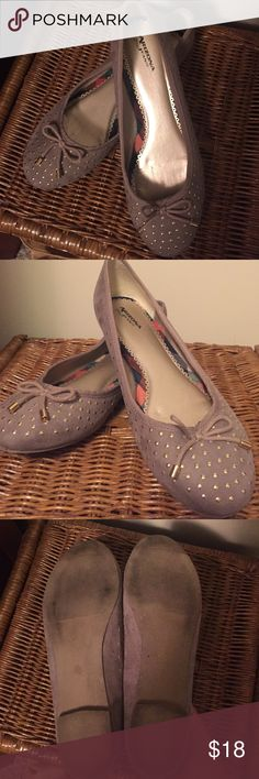 Arizona ballets Sz 10m Taupe/grey Arizona Jean Co. Ballet flats with gold studs on toes and gold tipped bow on toe. Womens size 10m. My daughter may have worn them once. She just outgrew them. Minor flaw on right shoe heel. Not noticeable at all shown in pic 4. Arizona Jean Company Shoes Flats & Loafers