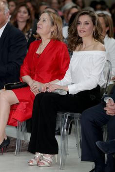MADRID, SPAIN - APRIL 18: Queen Letizia of Spain attends the 'Gran Angular' and 'El Barco De Vapor' literature awards at Casa de Correos on April 18, 2017 in Madrid, Spain.