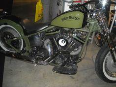 HD - Vintage garage con Nero Opaco Motociclette (EICMA 2012) Vintage Cars, Harley Davidson, Garage, Motorcycle, Trucks, Bike, Vehicles, Ideas, Autos