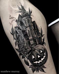 Haunted House by Matt Murray at in Salem Massachusetts. Tattoo Henna, Dark Tattoo, Piercing Tattoo, Piercings, Body Art Tattoos, Cool Tattoos, Tatoos, Haunted House Tattoo, Pumpkin Tattoo