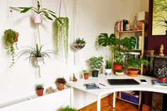When it comes to decorating boho style, it can seem a bit overwhelming for those who are minimalists. A lot of boho spaces are full of colors, layered with textiles and rugs, and brimming with plants. Modern boho interiors have been … Continue reading → Attic Renovation, Attic Remodel, Modern Boho, All Modern, Mini Sala, Attic Design, Interior Design, Design Design, Room Interior