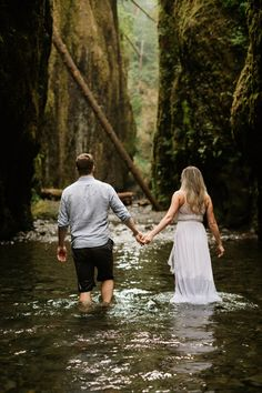 Oneonta Gorge engagement photos by Katy Weaver