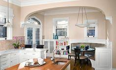 50 Einrichtungsideen für kleine Esszimmer - esszimmer esstisch stühlen spüle hängelampen