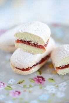 """Biscuits nuage à la fraise - """"B comme Bon"""""""