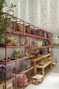 7 Best Store Design Ideas Very Unique! Find ideas for Interiors with many of inspiring photos from design professionals. Shoe Store Design, Retail Store Design, Colorful Playroom, Retail Interior, Cafe Interior, Boutique Interior, Store Interiors, Home Decor Store, Retail Design