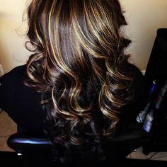 Blonde highlights on dark hair Blonde Highlights On Dark Hair, Purple Highlights, Caramel Highlights, Hair Heaven, Hair Color And Cut, Great Hair, Fall Hair, Gorgeous Hair, Trendy Hairstyles