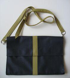 Laptop sleeve/shoulder bag door Spoor68 op Etsy