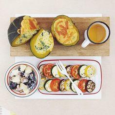 . good morning monday :-/))) . #goodmorning #morning #breakfast #yummy #goodfood #instafood #onthetable  #homemade #foodie #foodstagram #igfood #foodphotography #foodphoto #yum #2eat2gether #S_S_iloveBaking#S_S_iloveBreakfast #朝食 #早餐 #goodmorning #早安 #おはようございます #baking #cooking #CakeSalé #烘培 #cakesale #法式鹹蛋糕 #南瓜菠菜松子鹹蛋糕 #パウンドケーキ #stuffedpumpkin