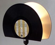 Tischlampen - Tischlampe 2in1 Schallplatte Design Vinyl Lampe - ein Designerstück von Aurum bei DaWanda