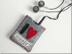 cafe creativo - sizzix big shot - ipod case felt (1)
