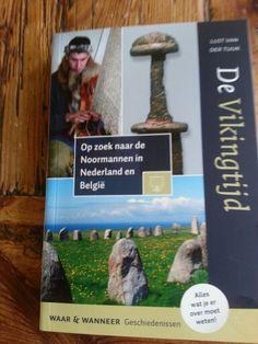 Nieuwe gids voor 10  euro te koop in museum dorestad in wijk bij duurstede.