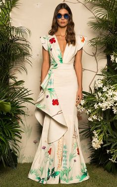 SPECIFICATIONS: Product Name Fashion Fluted Cotton Sateen Floral Maxi Dress Brand Mumetaz SKU Gender Women Style Elegant/Sexy/Fashion Type Maxi Dress Occasion Party/Vacation/Daily Life Material Polyester fiber Sleeve Sleeveless Decoration Floral Look Fashion, Runway Fashion, Fashion Design, Trendy Fashion, Affordable Fashion, Latest Fashion, Fashion Online, Floral Maxi Dress, Dress Up