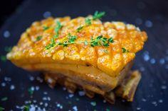 Ribbe blir best med denne teknikken. Norwegian Food, Salmon Burgers, Food And Drink, Pork, Cooking Recipes, Meat, Dinner, Breakfast, Ethnic Recipes